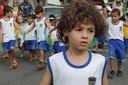 Alunos da rede Municipal de Linhares começam a receber seus uniformes escolares