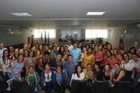 Câmara de Linhares homenageia suas servidoras