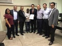 Linhares recebe investimentos na área esportiva