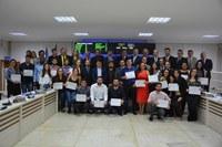 Professores e alunos da Faceli são homenageados em Sessão Solene